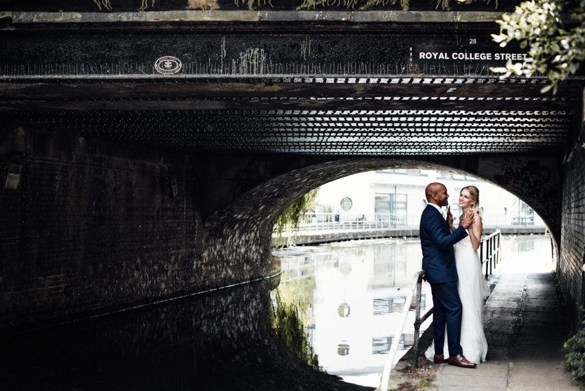 London wedding photographer canal portraits